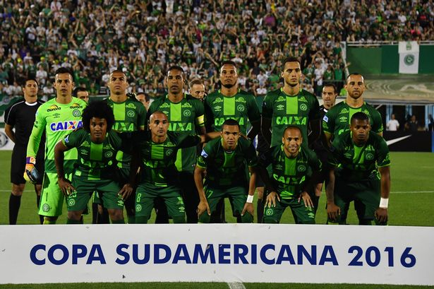 brazils-chapecoense-players-pose-for-pi