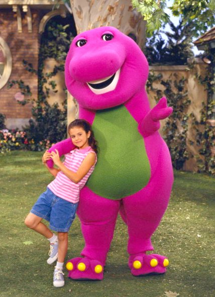 selena-in-barney-and-his-friends